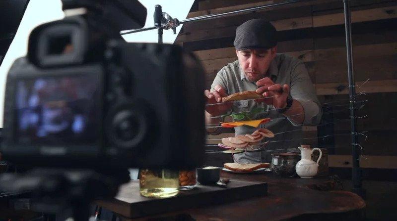 عکاسی مواد غذایی معلق در هوا